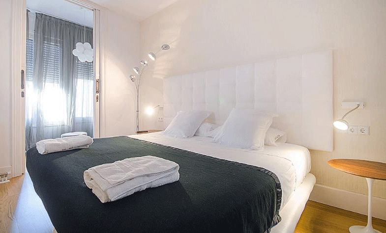 Luxury-Apartment-Barcelona-Kingsize-Bed